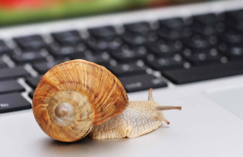 lėtas nešiojamas kompiuteris
