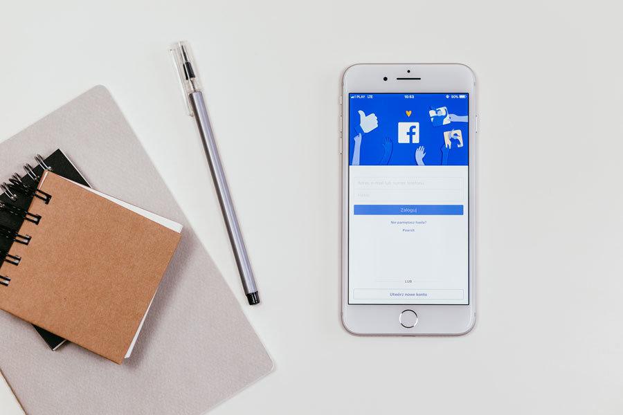 kaip facebook pakeisti kalbą